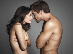 Jake Gyllenhaal and Anne Hathaway