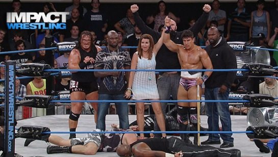 Dixie Carter (center). Photo Credit: IMPACT Wrestling.